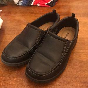 George Boys Size 2 Black Slip On Dress Shoes